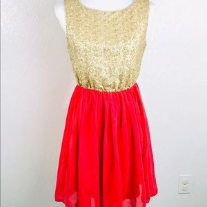 LOVE NOTES Dress Size M Gold Sequin & Cora…